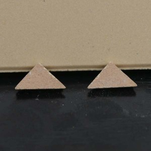 "1/3"" Cream Victorian Tile Triangles - Pack of 10"
